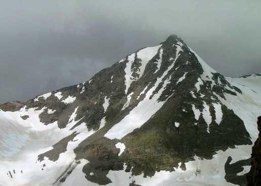 Гора Надежда (3353 м.), как и София находится с юга от Архыза